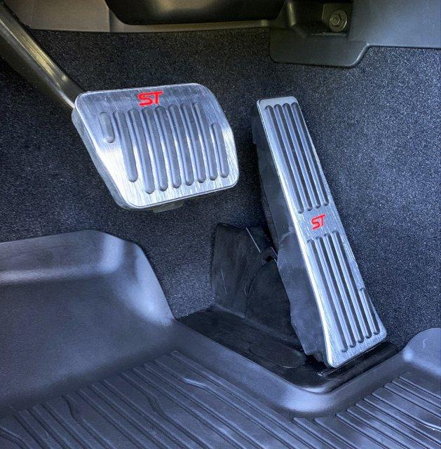 new pedals.JPG